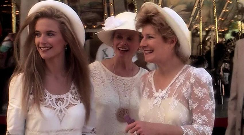 "Kelly Preston, Bonnie Bartlett, Chloe Webb | ""Twins"" (1988)"
