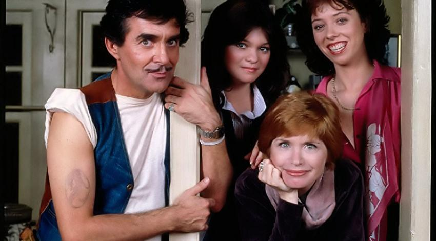 "Pat Harrington, Bonnie Franklin, Valerie Bertinelli, Mackenzie Phillips | ""One Day at a Time"" (1978)"