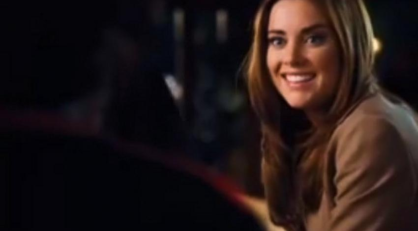 "Jessica Stroup | ""This Christmas"" (2007)"