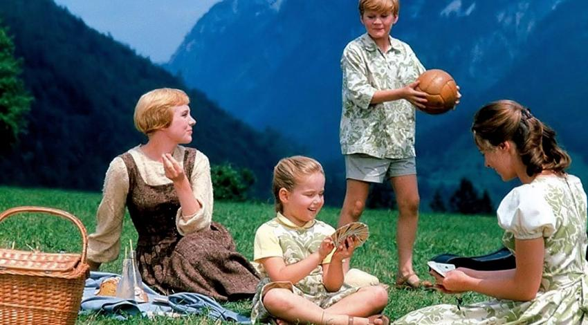"Julie Andrews, Charmian Carr, Duane Chase, Kym Karath | ""The Sound of Music"" (1965)"